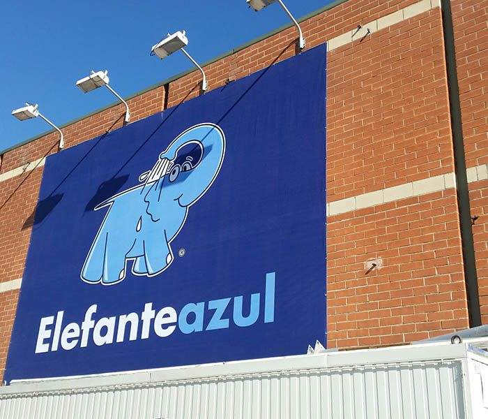 Montaje-elefante-azul